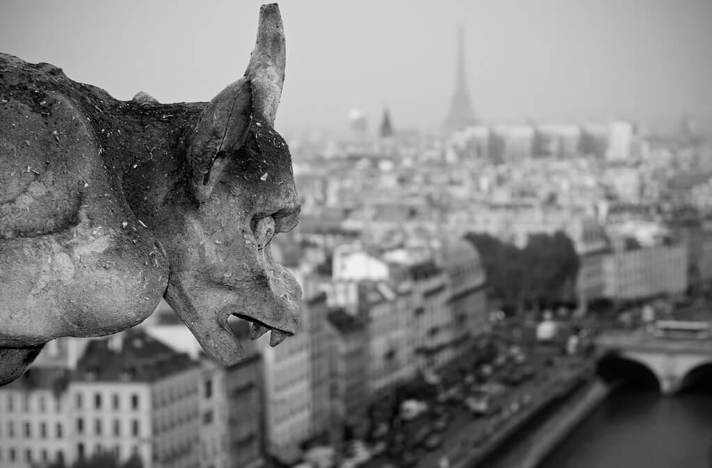 Мрачный Париж