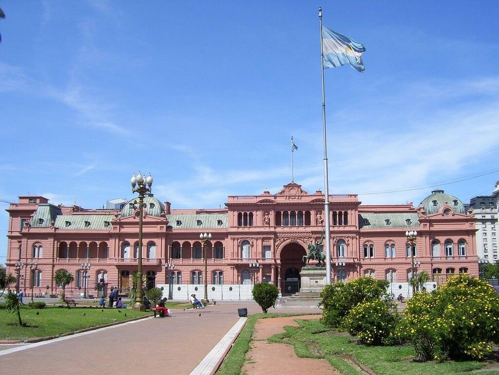Розовый дом в Буэнос-Айресе