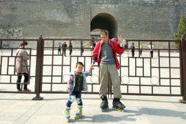Отец и сын: путешествие на роликах длиной в 540 км