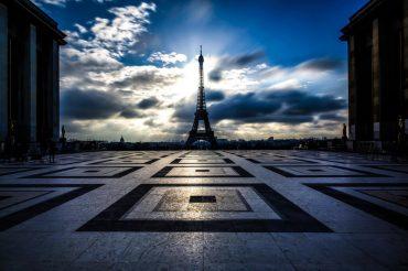 Конкурс: бесплатное путешествие в Париж. Ночь в Эйфелевой башне