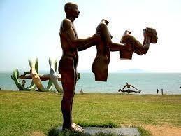 Парк скульптур на острове Модо