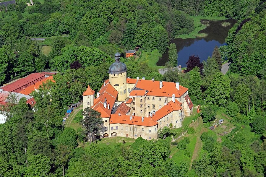 Реставрация старинного замка в Чехии