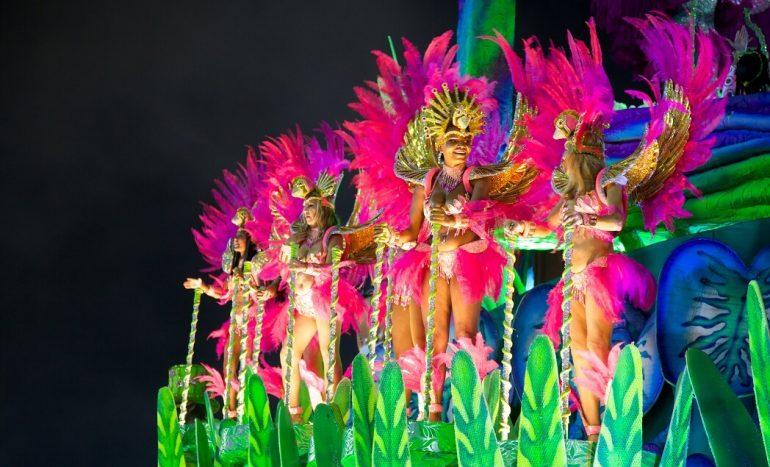 Волонтером на Карнавал в Рио