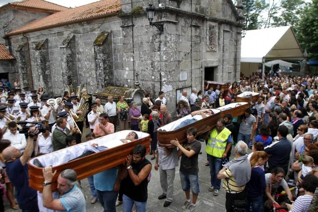 Праздник спасшихся от смерти, Испания