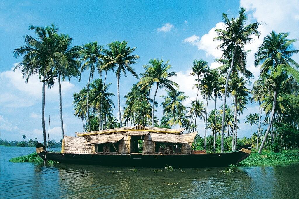 Лодка-дом для туристов, Керала
