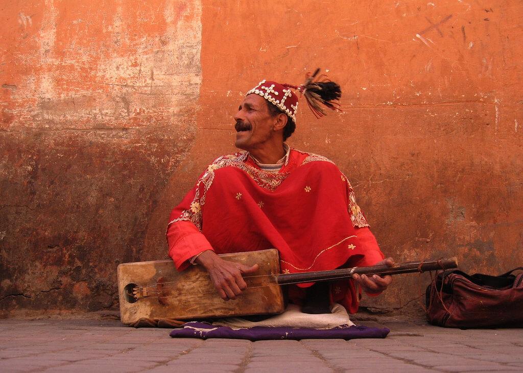Уличный музыкант, Марракеш