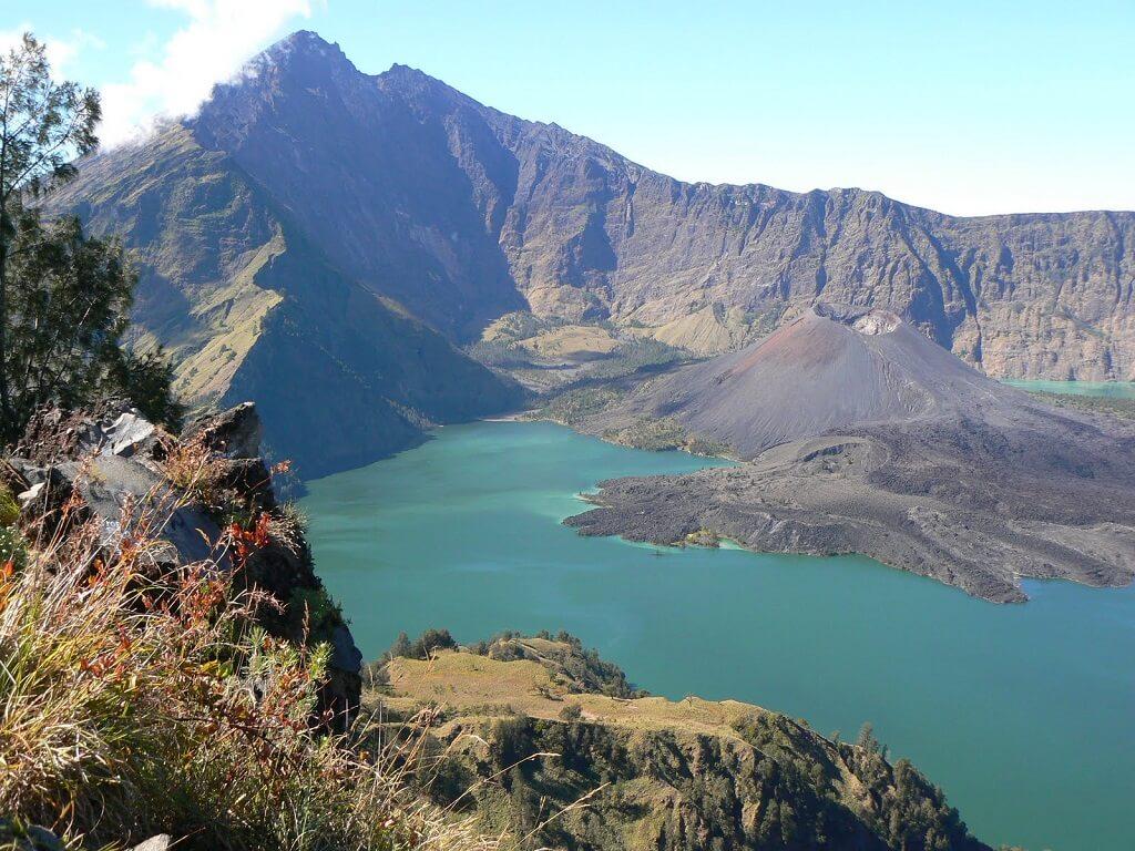 Гора Джая, Индонезия