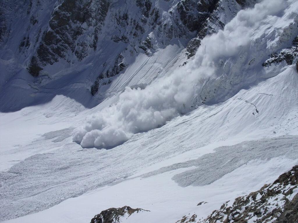 Лавина в Алтайских горах