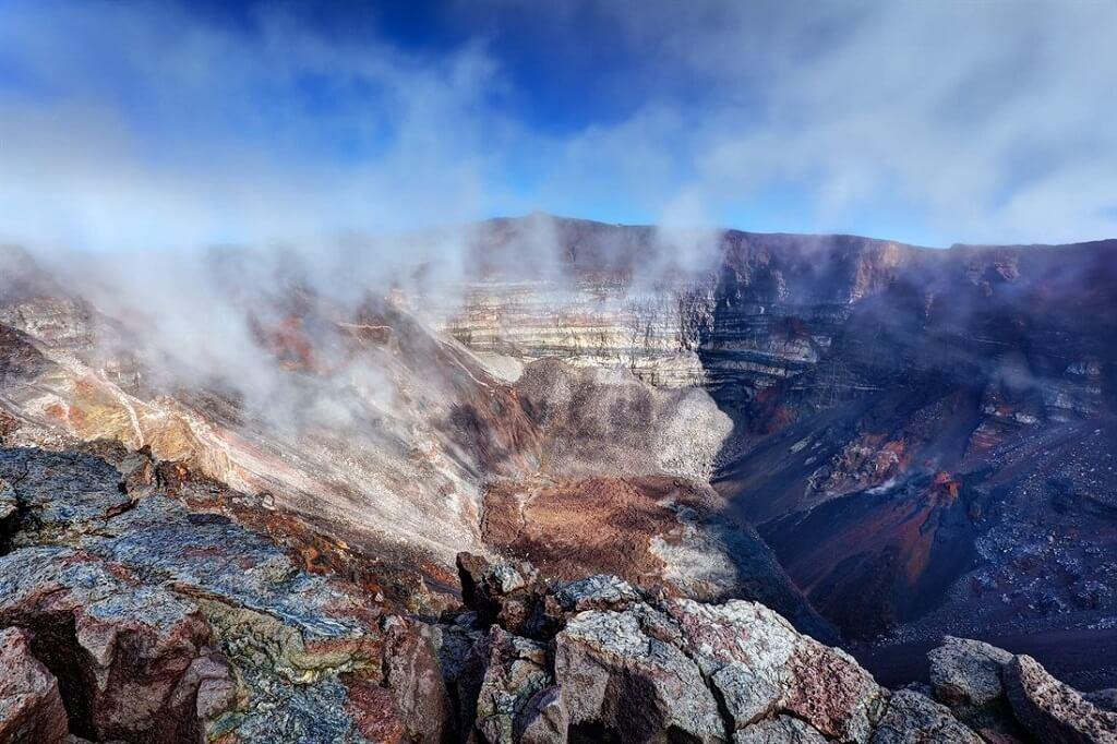 Вулкан Питон-де-ла-Фурнез