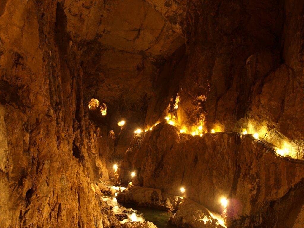 Пещера Хеллох