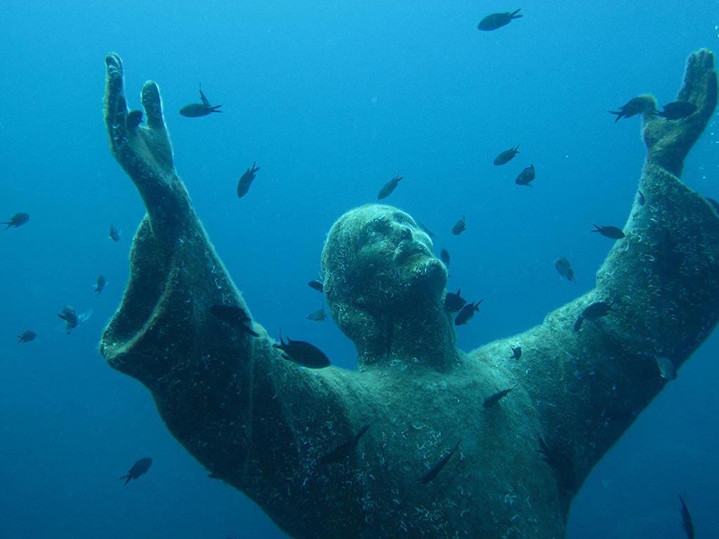 Статуя Христа у острова Гозо