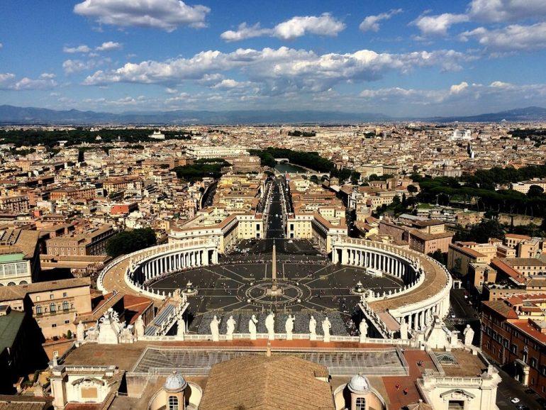 Программы материальной поддержки, которую оказывают иностранным студентам в Италии.