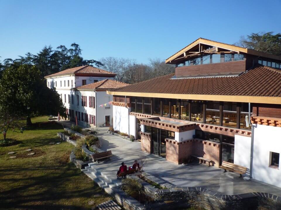 Монастырь Наланда во Франции
