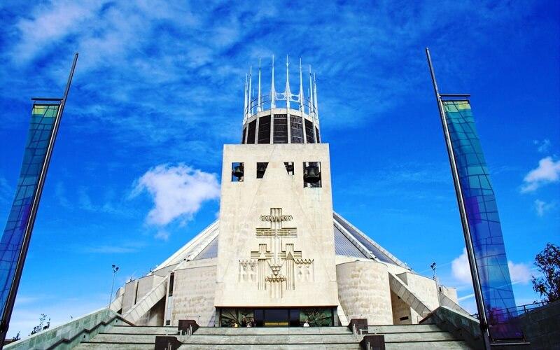 Храм в Великобритании